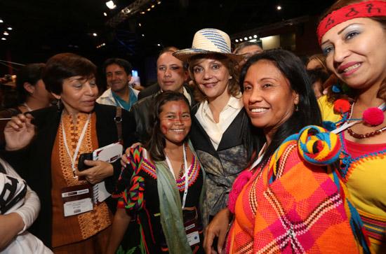 NANCY CON LA MINISTRA FORO OCTUBRE 2013